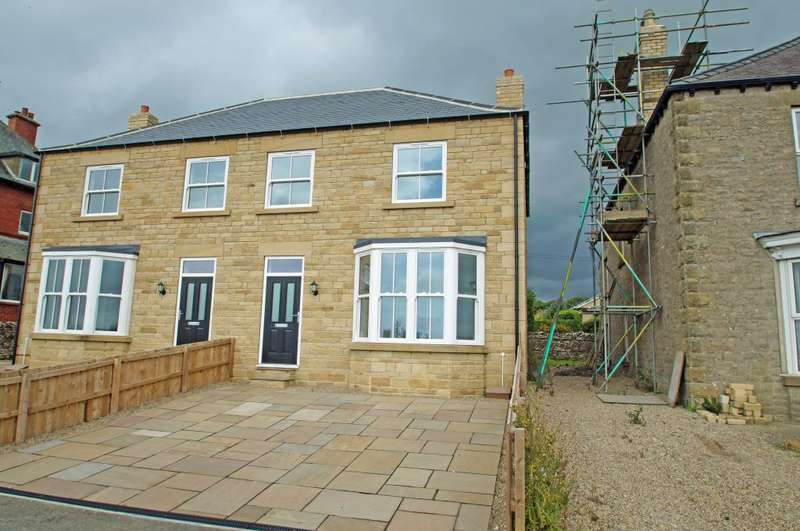 4 Bedrooms Semi Detached House for sale in 15B St Mary's Mount, Leyburn, DL8 5JB