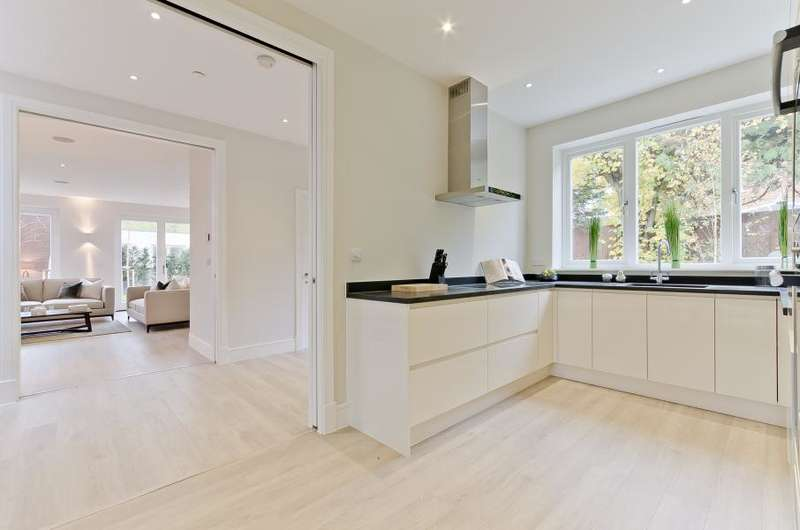 5 Bedrooms Detached House for rent in Pembroke Gardens, East Sheen, SW14