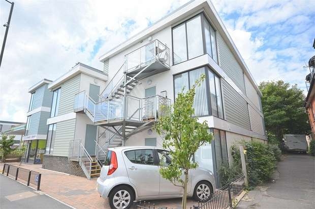 1 Bedroom Flat for sale in Palmerston Road, Bournemouth, Dorset