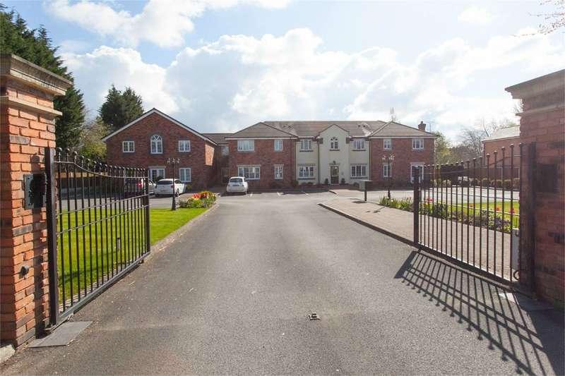 2 Bedrooms Apartment Flat for sale in Warrington Road, Glazebury, Warrington, WA3