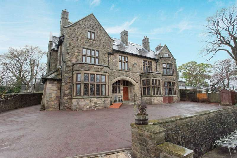 10 Bedrooms Detached House for sale in Belmont Road, Sharples, Bolton, BL1