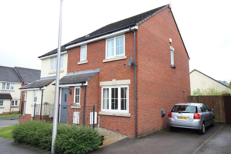 3 Bedrooms Semi Detached House for sale in Brynamlwg, Talywain, Pontypool, NP4