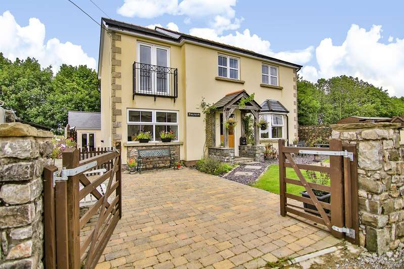 4 Bedrooms Detached House for sale in Degar Road, Llanharry, Pontyclun
