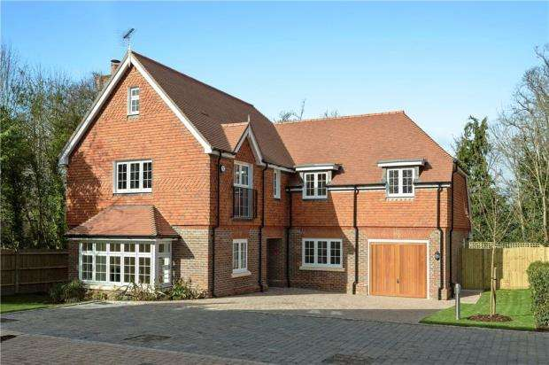 4 Bedrooms Detached House for sale in Holcombe House Gardens, London Road, Sunningdale