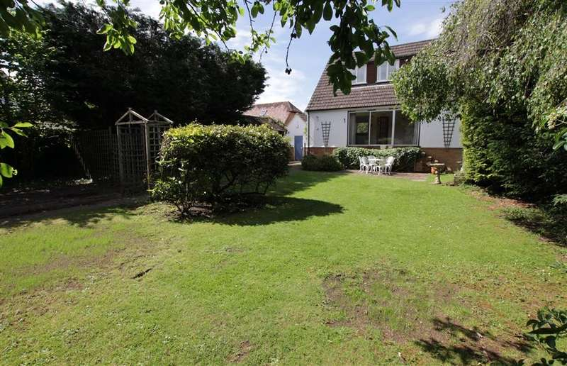 4 Bedrooms Detached House for sale in The Short, Purley On Thames, Reading, RG8