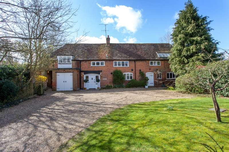 5 Bedrooms Detached House for sale in Purley Lane, Purley On Thames, RG8