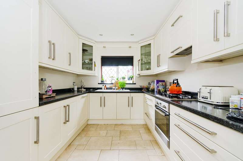 3 Bedrooms Semi Detached House for sale in Norman Crescent, Pinner, HA5