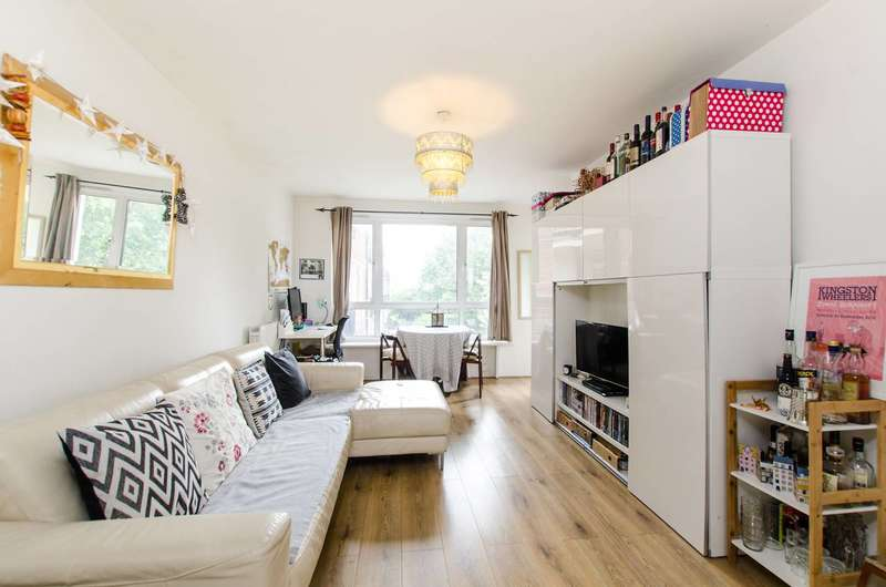 1 Bedroom Flat for sale in Heather Close, Clapham, SW8