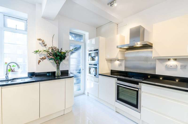 4 Bedrooms Flat for sale in Adelaide Road, Swiss Cottage, NW3