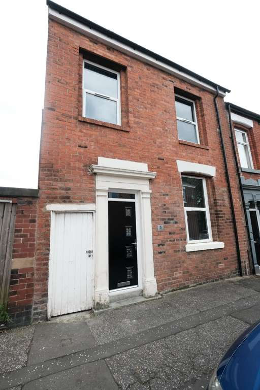 5 Bedrooms Terraced House for rent in Eldon Street, Preston, PR1
