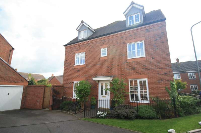 4 Bedrooms Town House for sale in Broadbent Close, Lichfield, Staffordshire, WS13