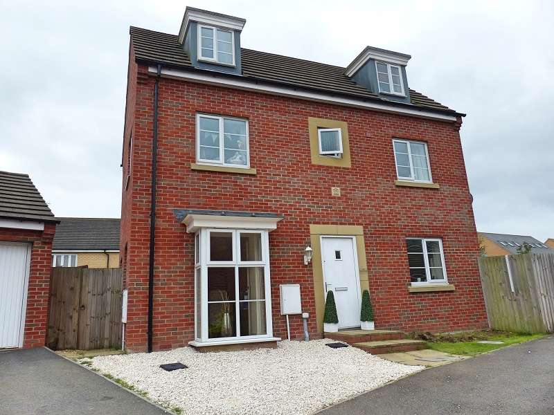 4 Bedrooms Detached House for sale in Dukes Way, Hampton Vale, Peterborough, PE7 8JN
