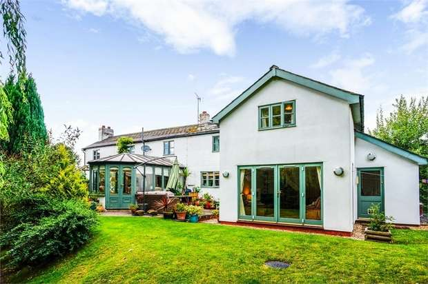 4 Bedrooms Detached House for sale in Luston, Leominster, Herefordshire