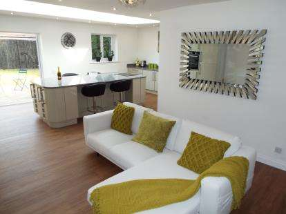 4 Bedrooms Detached House for sale in Greave, Romiley, Stockport, Cheshire