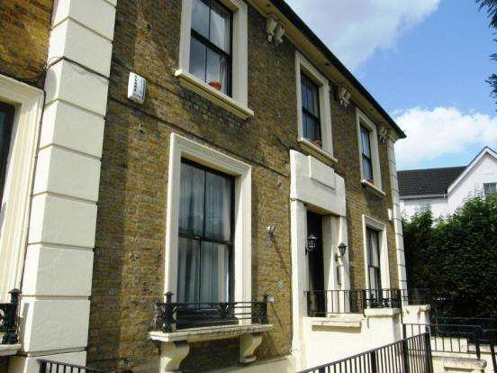 1 Bedroom Flat for sale in Kingston Upon Thames, Surrey, United Kingdom