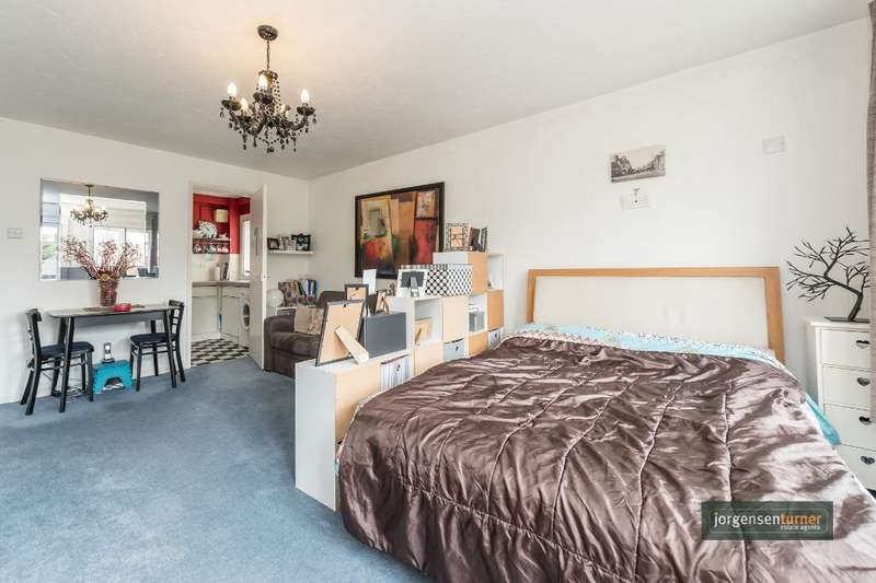 Flat for sale in Fiona Court, Brondesbury Villas, Queens Park, London, NW6 6AG