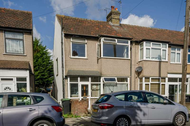 3 Bedrooms House for sale in Clive Road, Enfield Town, EN1