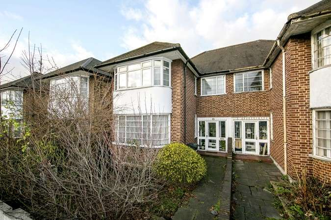 4 Bedrooms Semi Detached House for sale in Ellesmere Road, Chiswick