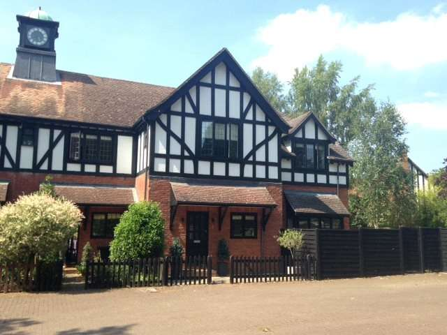 4 Bedrooms Semi Detached House for sale in Clock House Mews, Huxley Close, Godalming, Surrey, GU7