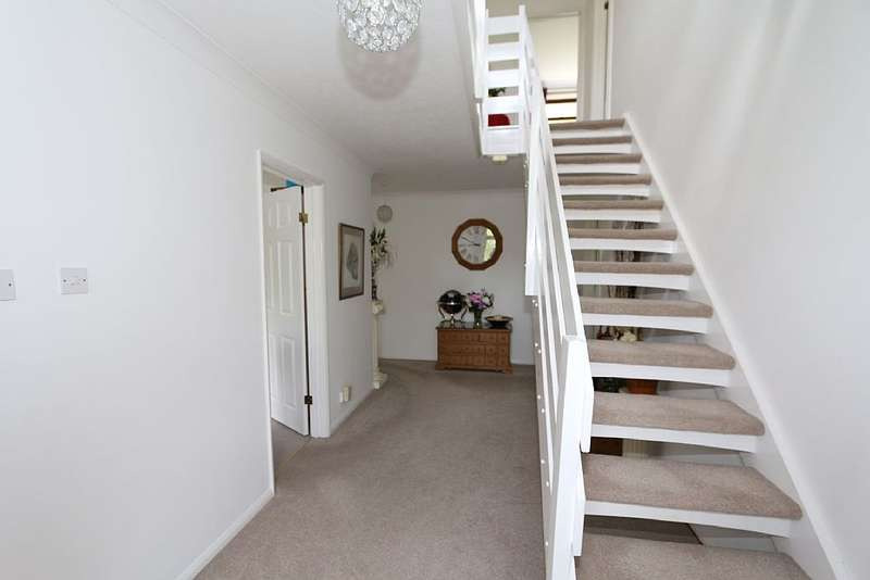 5 Bedrooms Detached House for sale in 10, Beauport Gardens, St. Leonards-on-Sea, East Sussex, TN37 7PQ