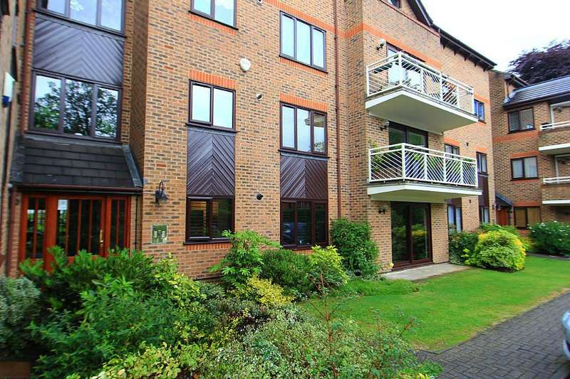 2 Bedrooms Ground Flat for sale in Trentham Lodge, 20 Wellington Road, Enfield, Middlesex, EN1