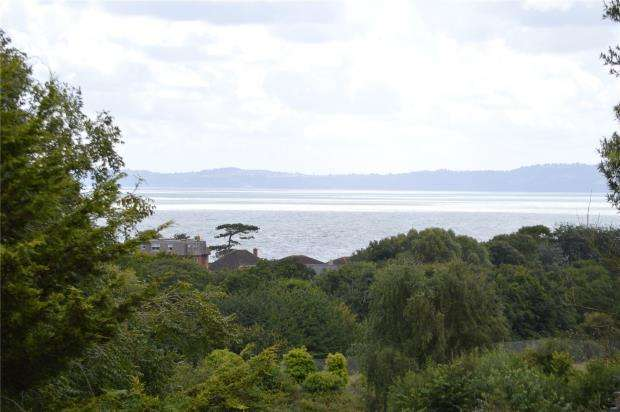3 Bedrooms Flat for sale in Douglas Avenue, Exmouth, Devon