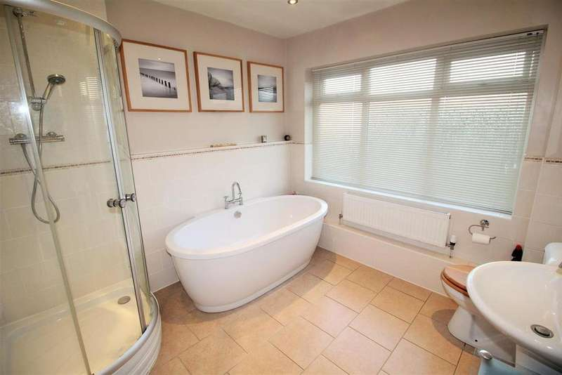 3 Bedrooms Detached Bungalow for sale in Stamford Road, Stamford