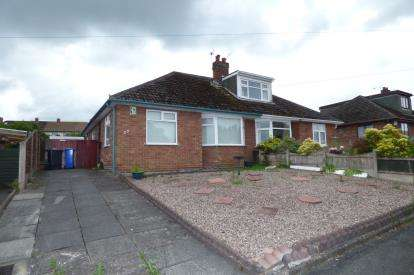 2 Bedrooms Bungalow for sale in Lymmington Avenue, Lymm, Cheshire