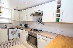 1 Bedroom Flat for sale in Morgan Court, Battersea High Street, Battersea, London