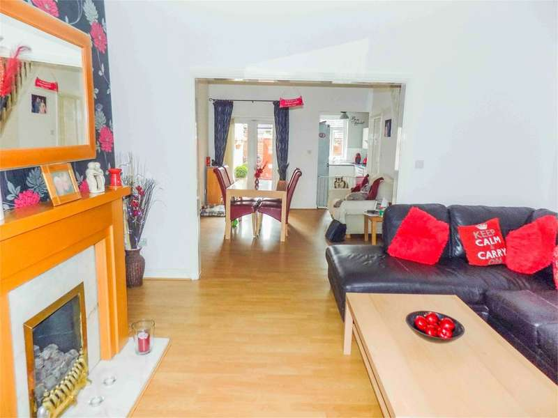 3 Bedrooms Terraced House for sale in Manchester Road, Kearsley, Bolton, BL4