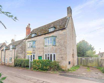 3 Bedrooms House for sale in Main Street, Woodnewton, Peterborough, Northamptonshire