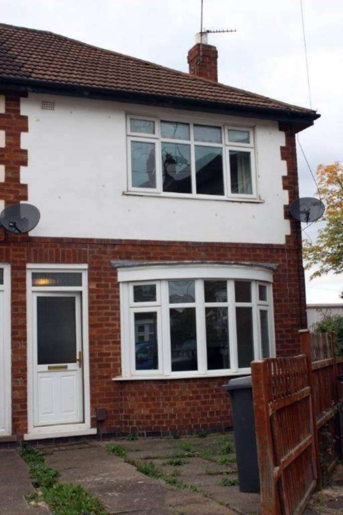 2 Bedrooms Town House for sale in Thornville Close, Leicester