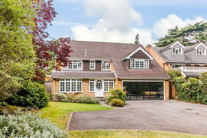 4 Bedrooms Detached House for rent in Pyrford
