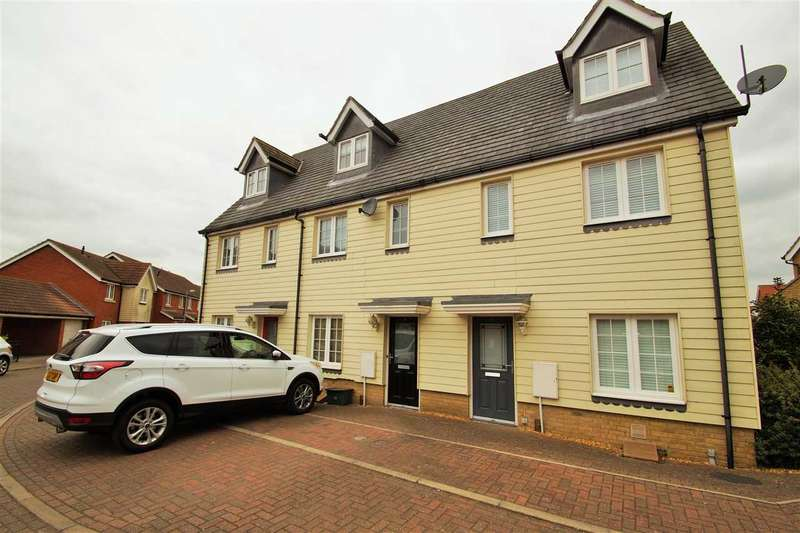 3 Bedrooms Town House for sale in Radvald Chase, Stanway, Colchester