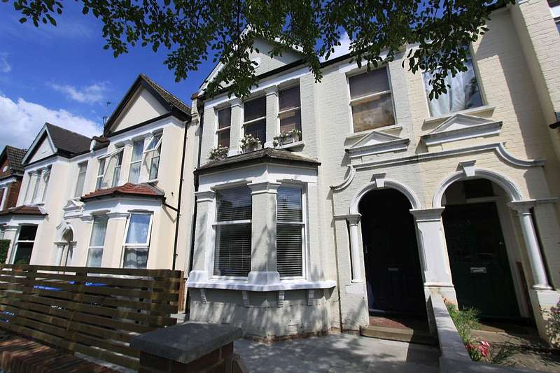 2 Bedrooms Ground Flat for sale in Chandos Road, London, London, NW2 4LS