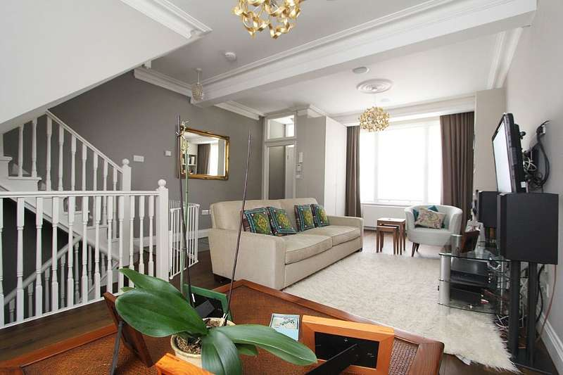 4 Bedrooms Terraced House for sale in Hazlebury Road, London, London, SW6