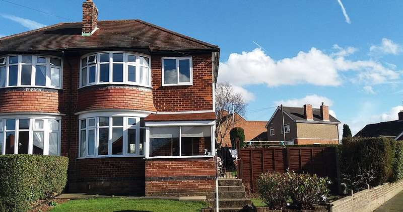 3 Bedrooms Semi Detached House for sale in Wentworth Road, Coalville, Leicestershire, LE67 3DL