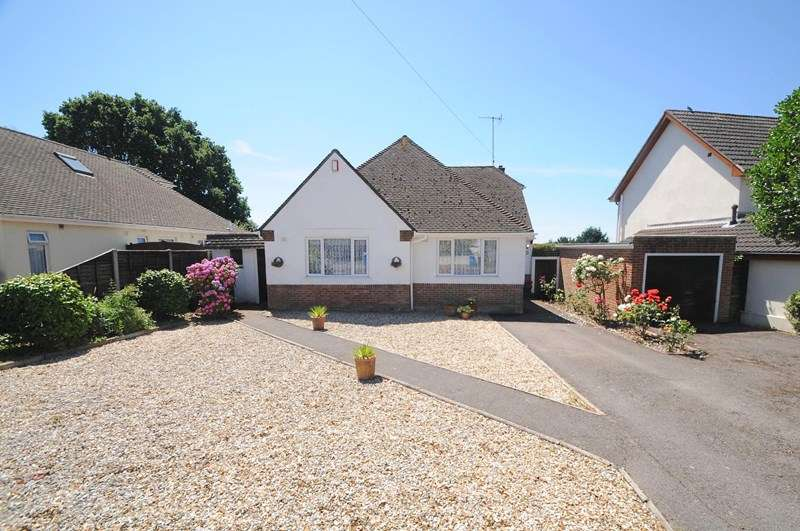 3 Bedrooms Chalet House for sale in Harbour View Road, Lower Parkstone, Poole