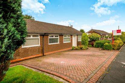 4 Bedrooms Detached House for sale in Boulderstone Road, Stalybridge, Cheshire, Greater Manchester