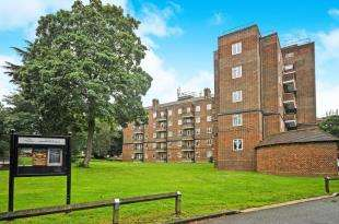 2 Bedrooms Flat for sale in Brandon House, Beckenham Hill Road, Beckenham