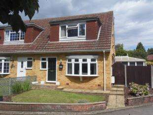 3 Bedrooms Bungalow for sale in Orchard Drive, Weavering, Maidstone, Kent