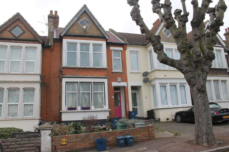 2 Bedrooms Flat for sale in Leamington Road, Southend On Sea