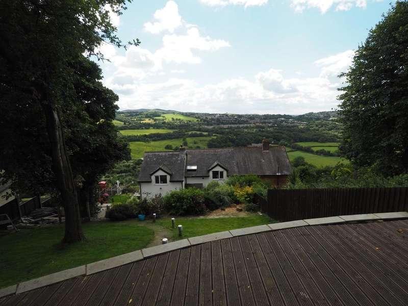 4 Bedrooms Semi Detached House for sale in Larkhill, New Mills, High Peak, Derbyshire, SK22 3DX