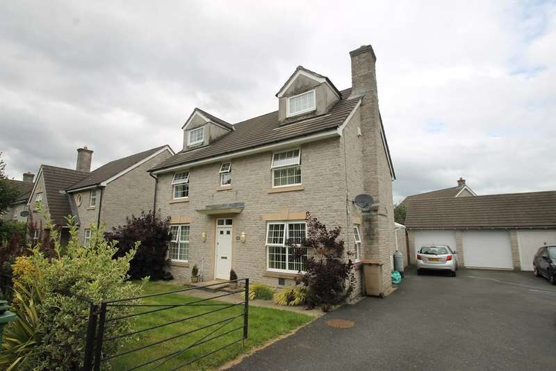 5 Bedrooms Detached House for sale in Manadon Park