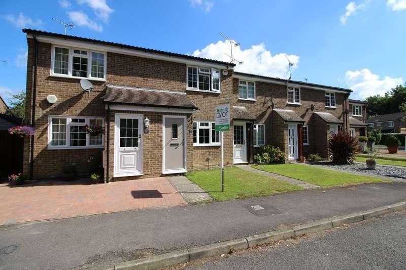 2 Bedrooms Terraced House for sale in Ridgehurst Drive, Horsham