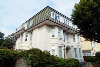 2 Bedrooms Flat for rent in BOSCOMBE SPA