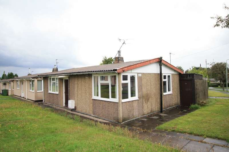 2 Bedrooms Bungalow for sale in Lincoln Green, Wolverhampton, West Midlands, WV10
