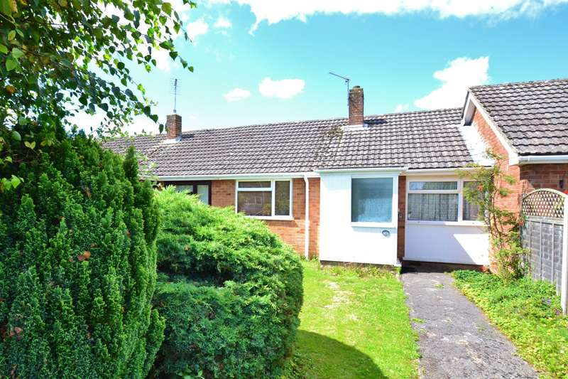 2 Bedrooms Bungalow for sale in Ringwood