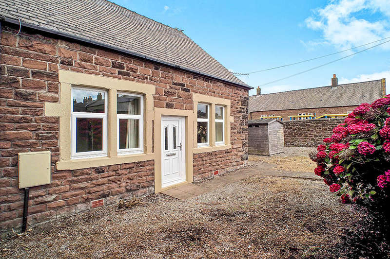 2 Bedrooms Semi Detached Bungalow for sale in Main Road, Maryport, CA15