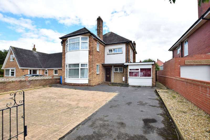 3 Bedrooms Detached House for sale in Osborne Road, St Anne`s